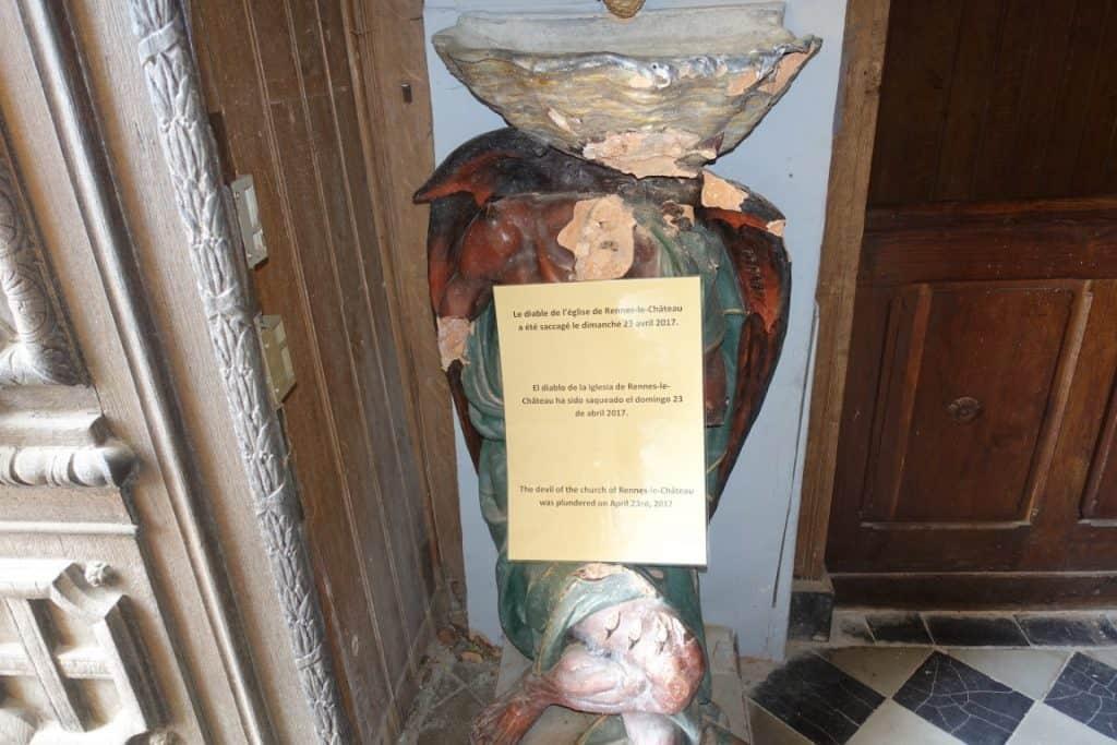 Rennes le Chateau asmodeus beschadigd