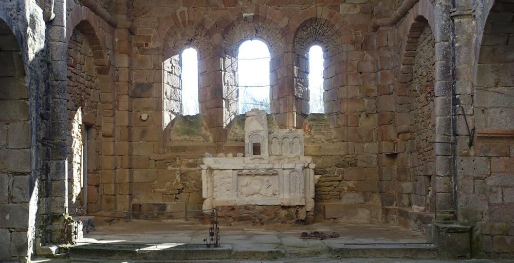 Het altaar in de kerk