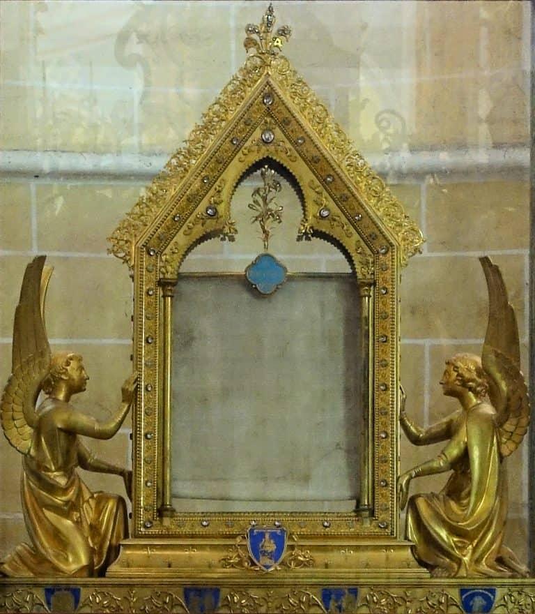 Chartres - Sancta Camisia