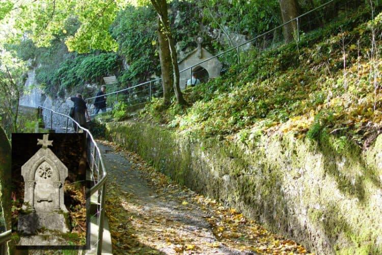 kruisweg naar het kasteel in rocamadour