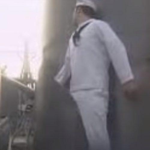 Philadelphia experiment - Matroos verkleefd aan schoorsteen